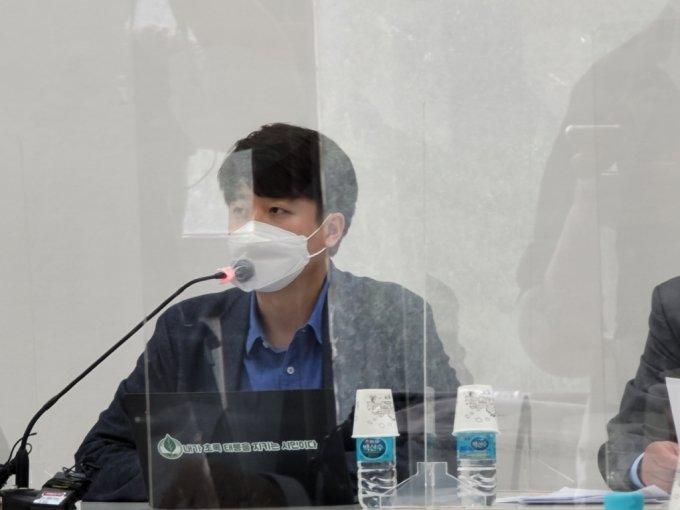 이준석 전 최고위원이 6일 '더 좋은 세상으로(마포포럼)'에 참석해 발언하고 있다./사진=이창섭 기자
