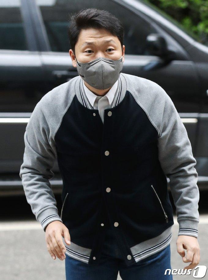 [사진] 싸이, 강남스타일 요청에 '정말 당황'