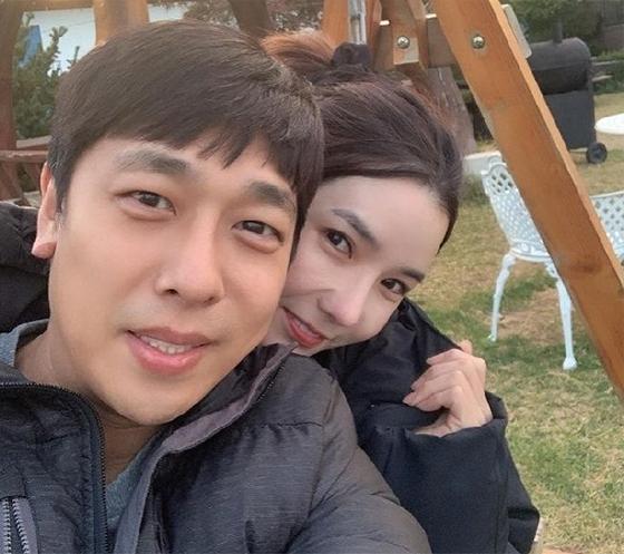 쇼트트랙 국가대표 출신 김동성, 연인 인민정 /사진=인민정 인스타그램