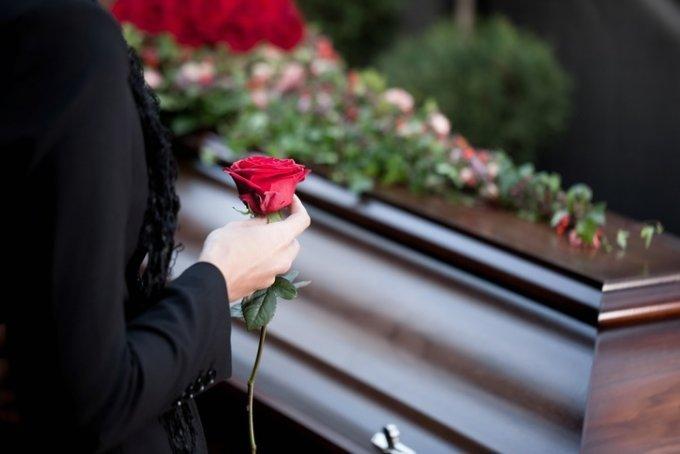 북아메리카 도미니카 공화국의 한 여성이 가짜 장례식을 연 소식이 알려지면서 비난이 일고 있다. 사진은 기사 내용과 관련 없음. /사진=게티이미지뱅크
