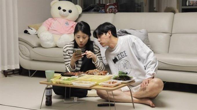 배우 이지훈과 그의 여동생/사진제공=MBC