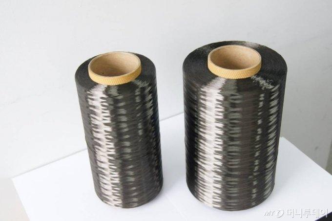효성이 국내 최초 독자기술로 개발한 탄소섬유/사진제공=효성