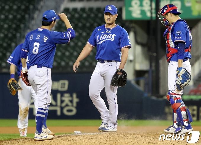 [사진] LG 상대로 역전승 거둔 삼성