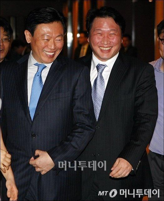 신동빈 롯데그룹 회장(왼쪽)과 최태원 SK그룹 회장./사진=머니투데이DB