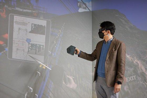 디지털 트윈 시티에 대해 설명하고 있는 서명배 한국건설기술연구원 선임연구위원/사진=한국건설기술연구원