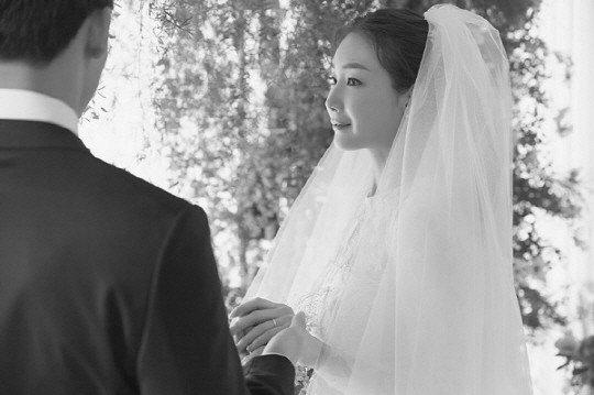 배우 최지우 웨딩 화보/사진제공=YG엔터테인먼트