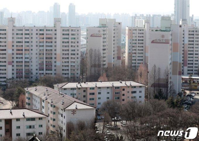 (서울=뉴스1) 서울 양천구 목동 아파트 5단지의 모습. 2021.2.23/뉴스1