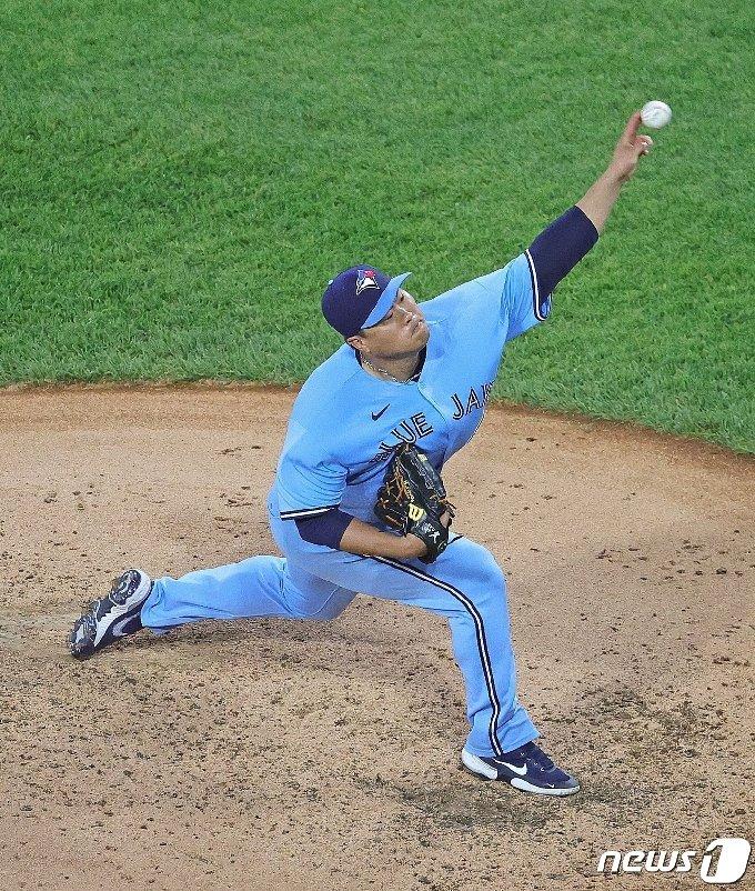 류현진은 11일(한국시간) 시카고 화이트삭스전에서 시즌 4패째를 기록했다. © AFP=뉴스1