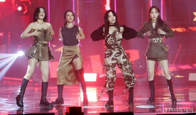 그룹 마마무 (왼쪽부터) 멤버 솔라, 화사, 휘인, 문별 /사진제공=골든디스크어워즈사무국