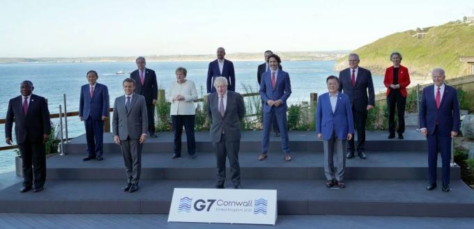 文대통령, 숨가쁜 G7 성공적 마무리