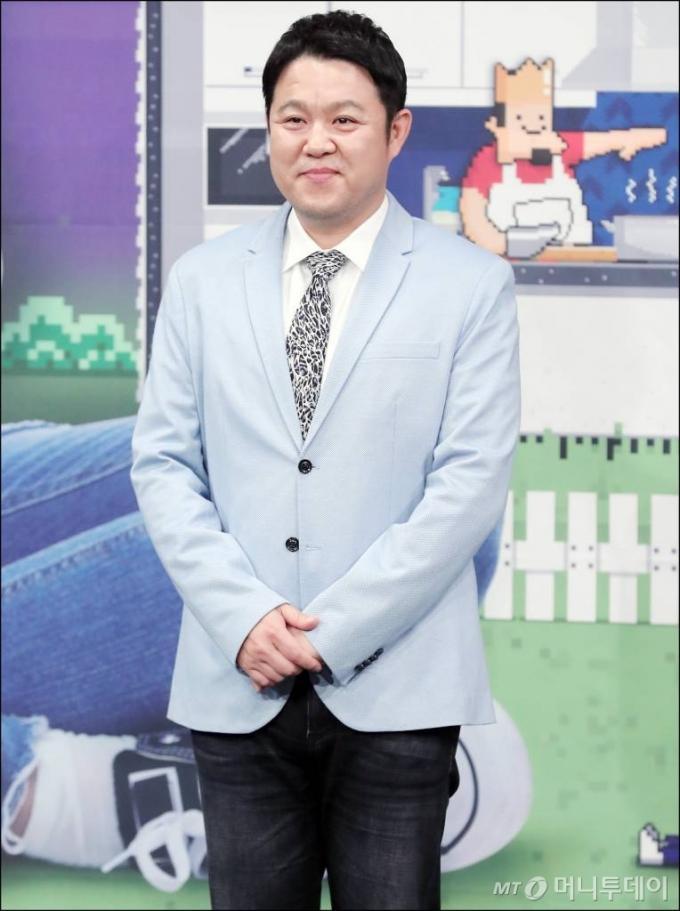 """김구라 """"98㎏인데 뱃살 없어…필라테스·PT로 몸매 관리"""""""