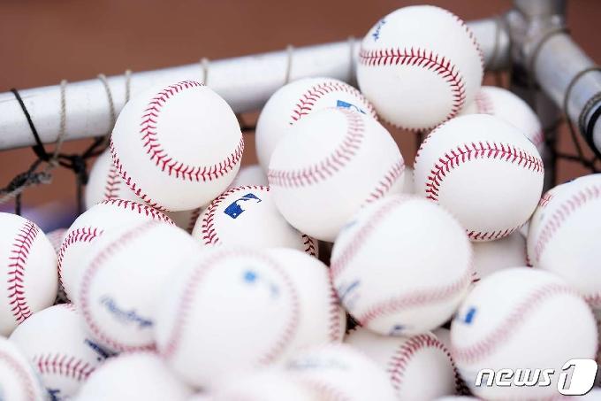 MLB, 이물질 사용 부정투구 적발 시 10일 간 출전정지 징계