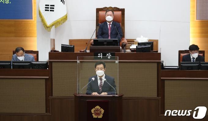 [사진] 오세훈 시장, 2021년도 제1회 추가경정예산안에 대한 시정연설