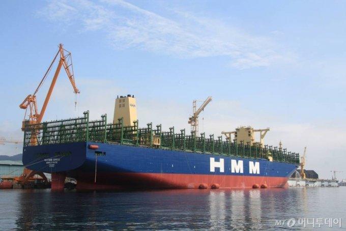 HMM 2만4000TEU급 컨테이너선 HMM헬싱키·르아브르 호