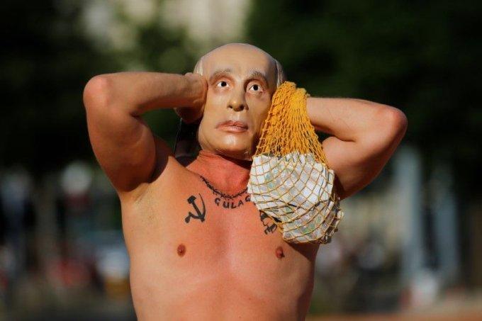 조 바이든 미국 대통령과 블라디미르 푸틴 러시아 대통령 간 정사회담을 하루 앞두고 등장한 '가짜 푸틴'에 눈길이 쏠렸다. /사진=로이터/뉴시스
