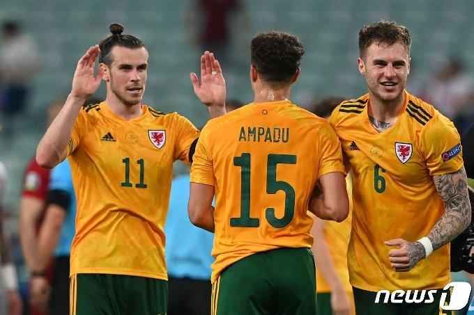 베일은 이날 PK를 놓쳤지만 2도움을 올리며 팀 승리에 기여했다. © AFP=뉴스1