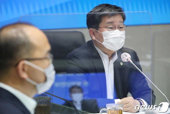 [사진] 전해철 행안부 장관, 안전정책조정위원회 주재