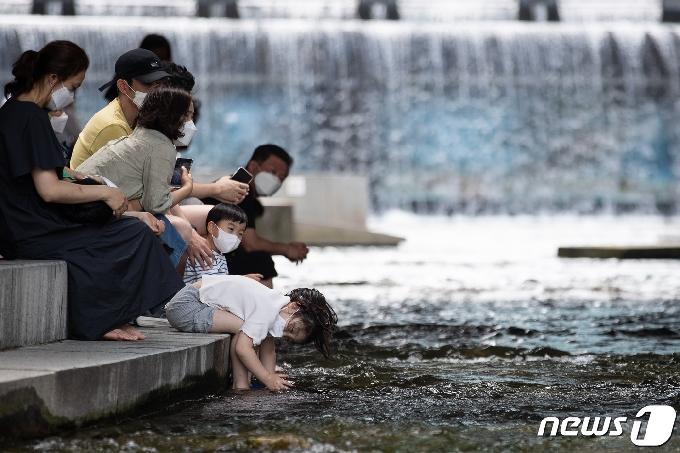 [오늘의 날씨] 경기(21일, 월)…맑은 가운데 일부 지역 비