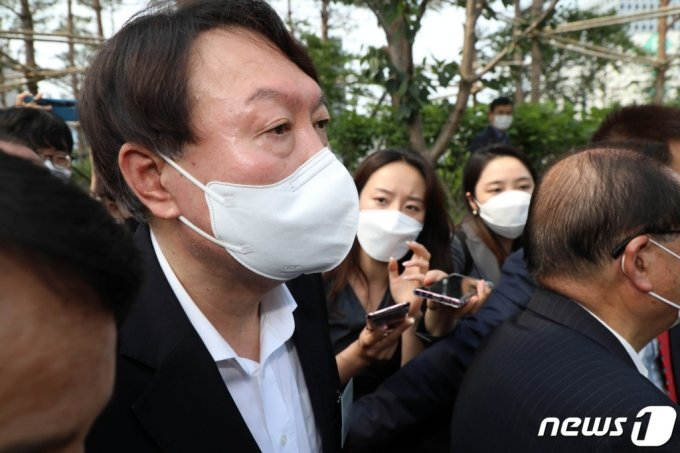 윤석열 전 검찰총장과 장모·아내의 신상 의혹을 정리했다는 이른바 'X파일'이 논란이다. 2021.6.9/사진=뉴스1