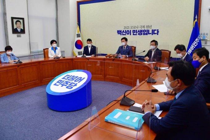 송영길 더불어민주당 대표가 25일 서울 여의도 국회에서 열린 최고위원회의에서 모두발언하고 있다. / 사진제공=뉴시스