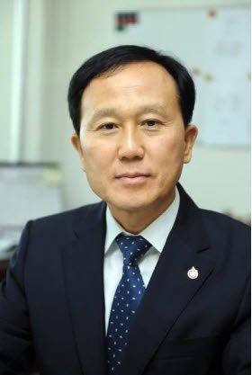 박철웅 농업기술실용화재단 이사장