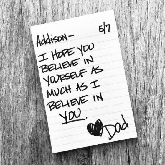 '내가 너를 믿는 것 만큼 네 자신을 믿으면 좋겠어'라고 적혀 있다. /사진=인스타그램 캡처