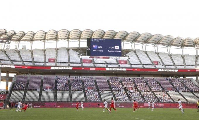[가시마(일본)=뉴시스] 이영환 기자 = 22일 오후(현지시간) 일본 이바라키 가시마 스타디움에서 도쿄올림픽 남자축구 조별리그 B조 1차전 대한민국과 뉴질랜드의 경기가 열리고 있다. 2021.07.22. 20hwan@newsis.com