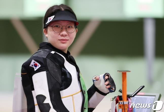 권은지-박희문, 女 공기소총 10m 결선 7, 8위로 마감... 첫 메달 다음 기회에