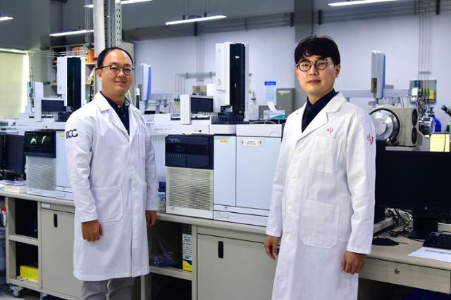 도쿄 올림픽에 파견되는 KIST 손정현 센터장(오른쪽)과 성창민 박사(왼쪽). /사진제공=한국과학기술연구원(KIST)