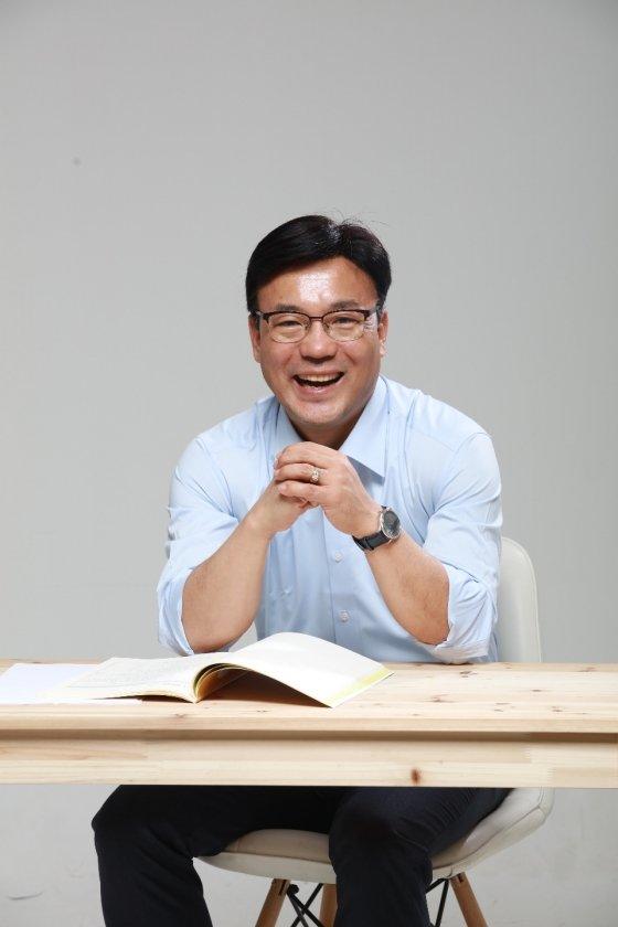 ▲최만식 경기도의회 문화체육관광위원장/사진=의원실 제공