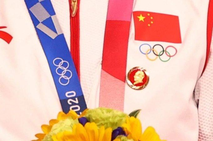 국제올림픽위원회(IOC)가 마오쩌둥 배지를 달고 2020 도쿄 올림픽 시상대에 오른 중국 금메달리스트 2명에 대한 조사에 착수했다. /사진=로이터/뉴시스