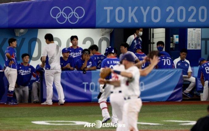 미국전 패배 후 한국 더그아웃의 모습. /AFPBBNews=뉴스1