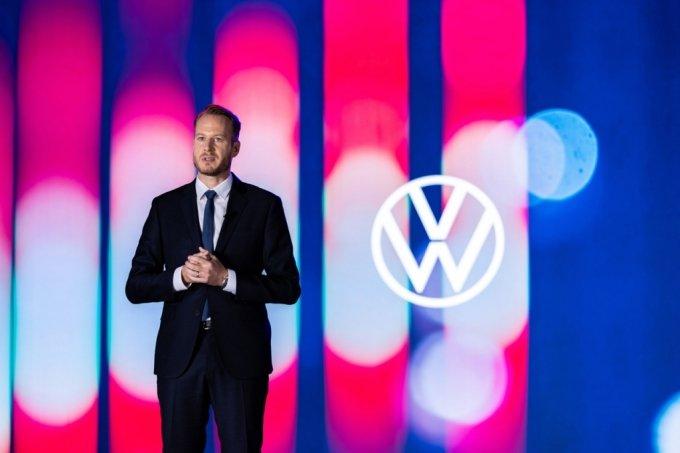 슈테판 크랍 폭스바겐코리아 사장이 22일 2021 폭스바겐 미디어데이에서 '3A' 브랜드 전략을 발표하고 있다./사진제공=폭스바겐코리아