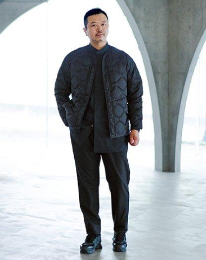 아이자와 요스케가 착용한 유니클로X화이트마운티니어링 협업 울트라 라이트 다운 재킷 이미지/사진=유니클로 공식 홈페이지