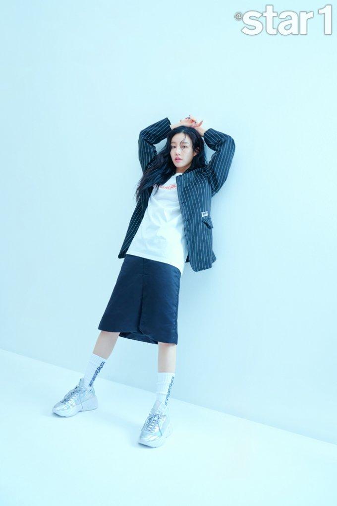 이유비, 어깨 드러낸 튤 드레스 '찰떡 소화'…청순미의 끝