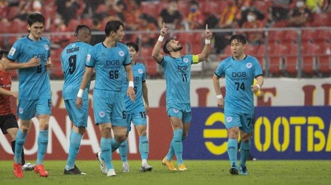 대구 세징야(오른쪽에서 두 번째)가 골을 넣고 세리머니를 하고 있다/사진=AFC