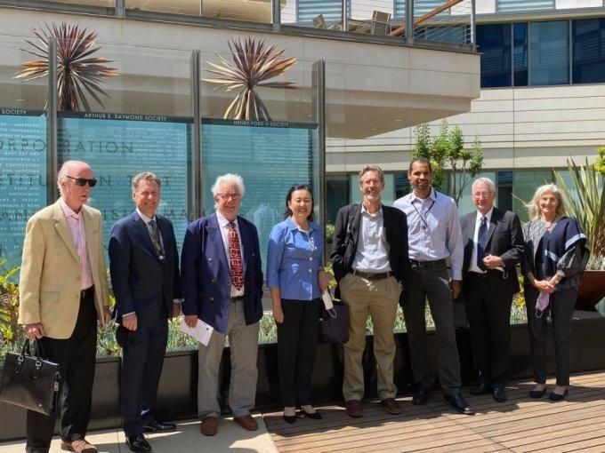 박영선 전 중소벤처기업부 장관(가운데)이 최근 미국 LA 랜드연구소를 방문해 기념사진을 촬영했다./사진=박 전 장관 페이스북