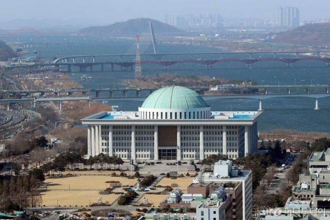 서울 여의도 국회의사당 전경. /사진=이기범 기자 leekb@