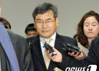 '뇌물수수' 선재성 부장판사 항소심 첫 공판
