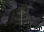 암흑 속 아파트