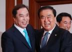 김병준 비대위원장, 문희상 국회의장 예방