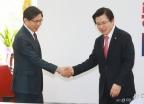 황교안-박상기 '전·현직 법무장관의 만남'