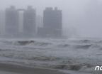 태풍 '다나스' 소멸했지만…부산·울산 등에 강한 비