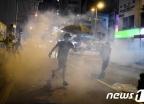 """홍콩 시위 참여한 15세 소녀 죽음에…母 """"스스로 목숨 끊은 것"""""""