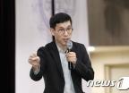 """진중권, '스트레이트' 나경원 보도에…""""서초동에 모여라"""""""
