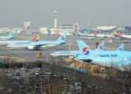 항공기들 멈춰 선 김포공항 주기장