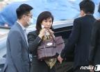 노소영, SK 최태원 회장과의 이혼소송 출석