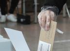 코로나19가 바꾼 투표장 풍경