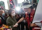 [사진] 삼성 해고노동자 찾아간 심상정 대표