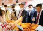 도넛 구매하는 김종인